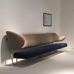 KBH - Finn Juhl vægmonteret sofa
