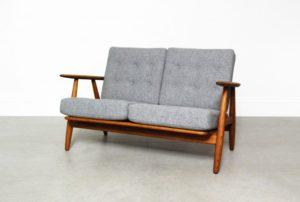 ge-240-cigar-sofa-by-hans-wegner-for-getama-1956-01