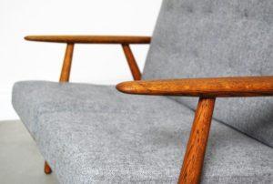 ge-240-cigar-sofa-by-hans-wegner-for-getama-1956-03