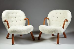 4_2186979_pair-of-armchairs-designed-by-philip-arctander-den-1024x682