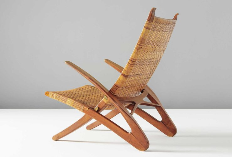 hans-j-wegner-faltbarer-armlehnstuhl-dolphin-eichenholz-rohrgeflecht-messing-folding-armchair-dolphin-oak-cane-brass-schatzpreis-estimat