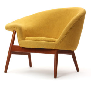 fried-egg-chair-by-hans-olson-front-2