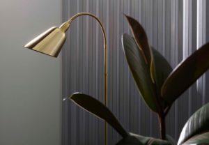 bellevue-lampe-arne-jacobsen-guld-lead-uS_hBLS5nlP9wPG7lrGoCg