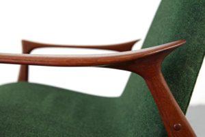 Easy_Chair_Model_240_by_Arne_Hovmand_Olsen_for_Mogens_Kold_green_Web_10_l